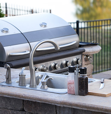DIY BBQ: Gas gills and outdoor kitchen frame kits